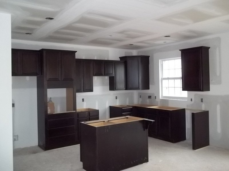 America 39 s home place murray a kitchen cabinets installed 58 for Building kitchen cabinets in place