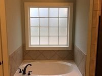 Hill V - Tub (Master Bath)